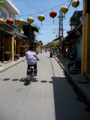 Through the streets of Hoi an